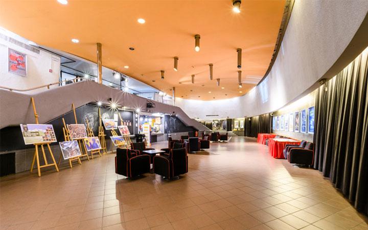 Foyer - Kino Luna Wynajem